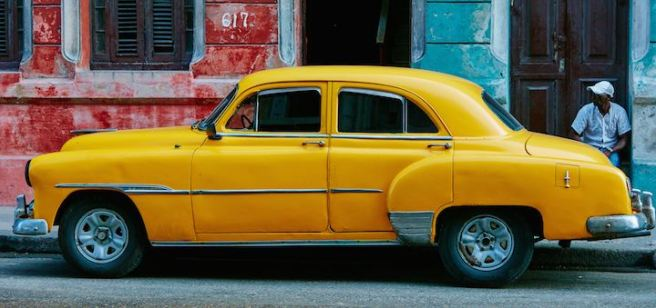 three line tales, week 34: yellow car in Havana
