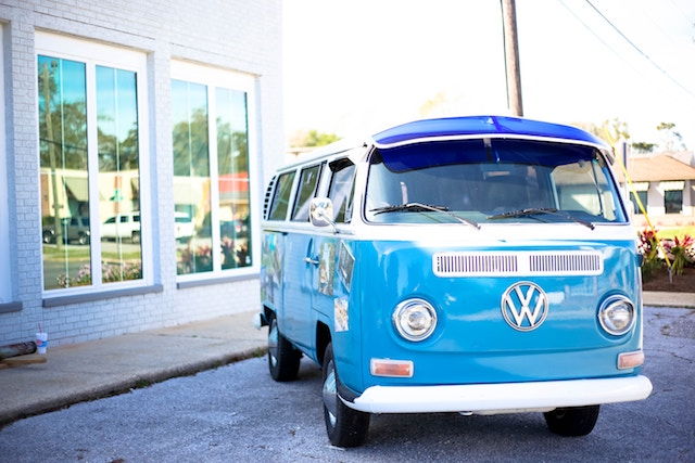 three line tales week 80: a blue old school VW camper van