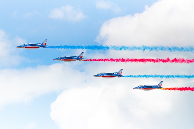 three line tales, week 180: Patrouille de France in the sky